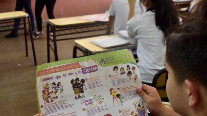 La educación sexual integral es ley nacional desde 2006, aunque su aplicación es aún dispar en las escuelas del país.