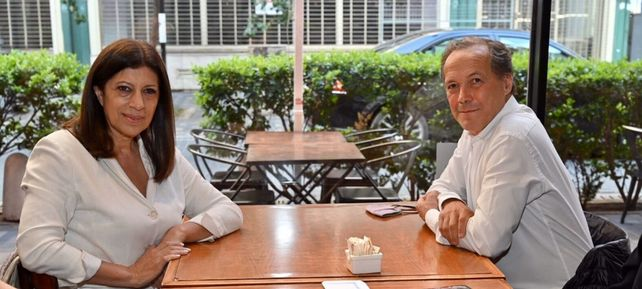 Clara García y Rubén Giustiniani compartieron un café luego de haber competido en las Paso por el Frente Amplio Progresista.