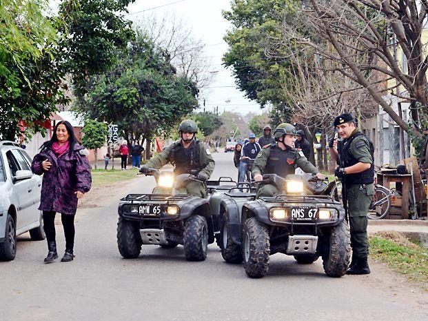 La presencia de las fuerzas federales en los barrios ya no es tan habitual y el jueves pasado más de 50 gremios reclamaron más efectivos. (Foto: S. Salinas)