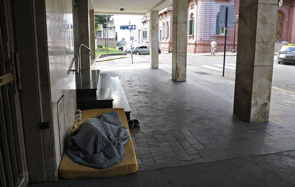 La Municipalidad activó los dispositivos de cobertura para los sin techo. (Foto de archivo)