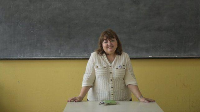 Al frente del curso. Cristina Gómez Centurión dicta clases en la escuela Santa Margarita