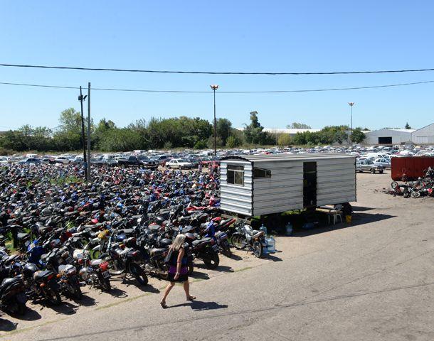 Los autos y motos fueron a parar al depósito municipal. (Foto: S. Salinas)