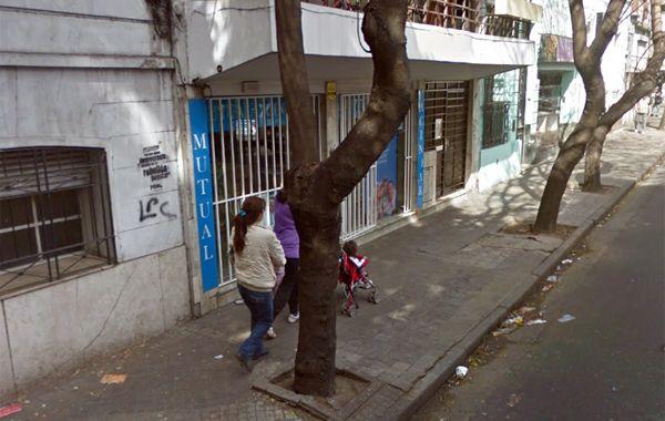 La mutual de Urquiza y Presidente Roca fue asaltada a primera hora de la tarde. (imagen: captura de Street View)