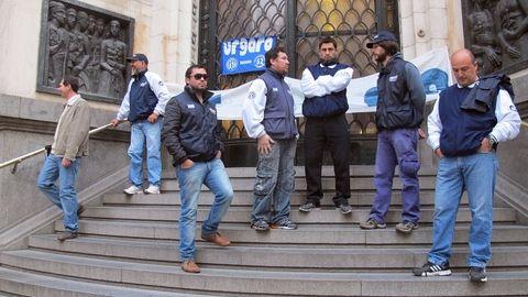 Desde Urgara dicen que no habrá actividad hasta que no se reincorpore a los despedidos. (Foto: A.Celoria)