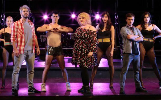 Dream team. El elenco incluye a más de quince actores en escena.
