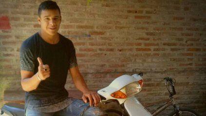 Matías Ezequiel Ibáñez tenía 21 años. Fue asesinado a balazos en el techo de su vecindario cuando intentaba escapar de sus agresores.