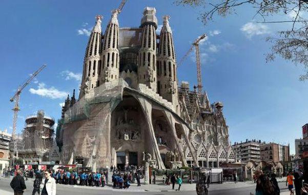 Imponente. La fachada de la Pasión incluirá un monumento a Gaudí.
