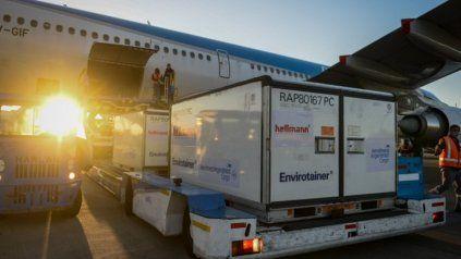 Aerolíneas Argentinas trayendo vacunas desde China, Rusia y Estados Unidos.