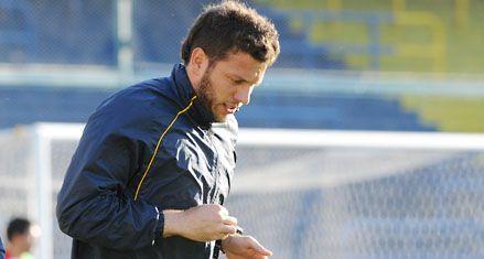 Central: Pizzi le pasó factura a Broun por su error en el segundo gol de Brown