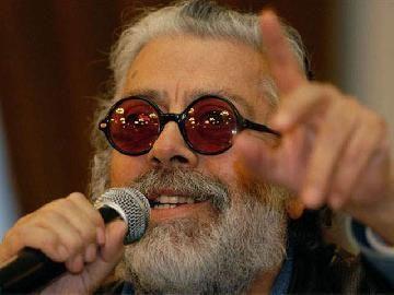 Silvio Rodríguez le rindió homenaje a Facundo Cabral