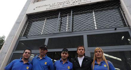 Trabajadores del súper Lorena continúan sin cobrar sus salarios