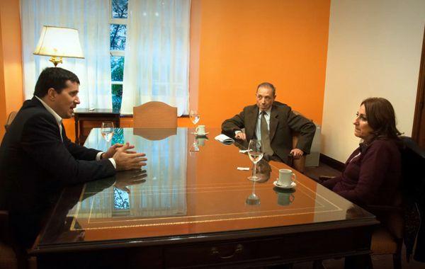 Los fiscales Carlos Gonella y Fernando Domínguez se reunieron con Fein en Buenos Aires.