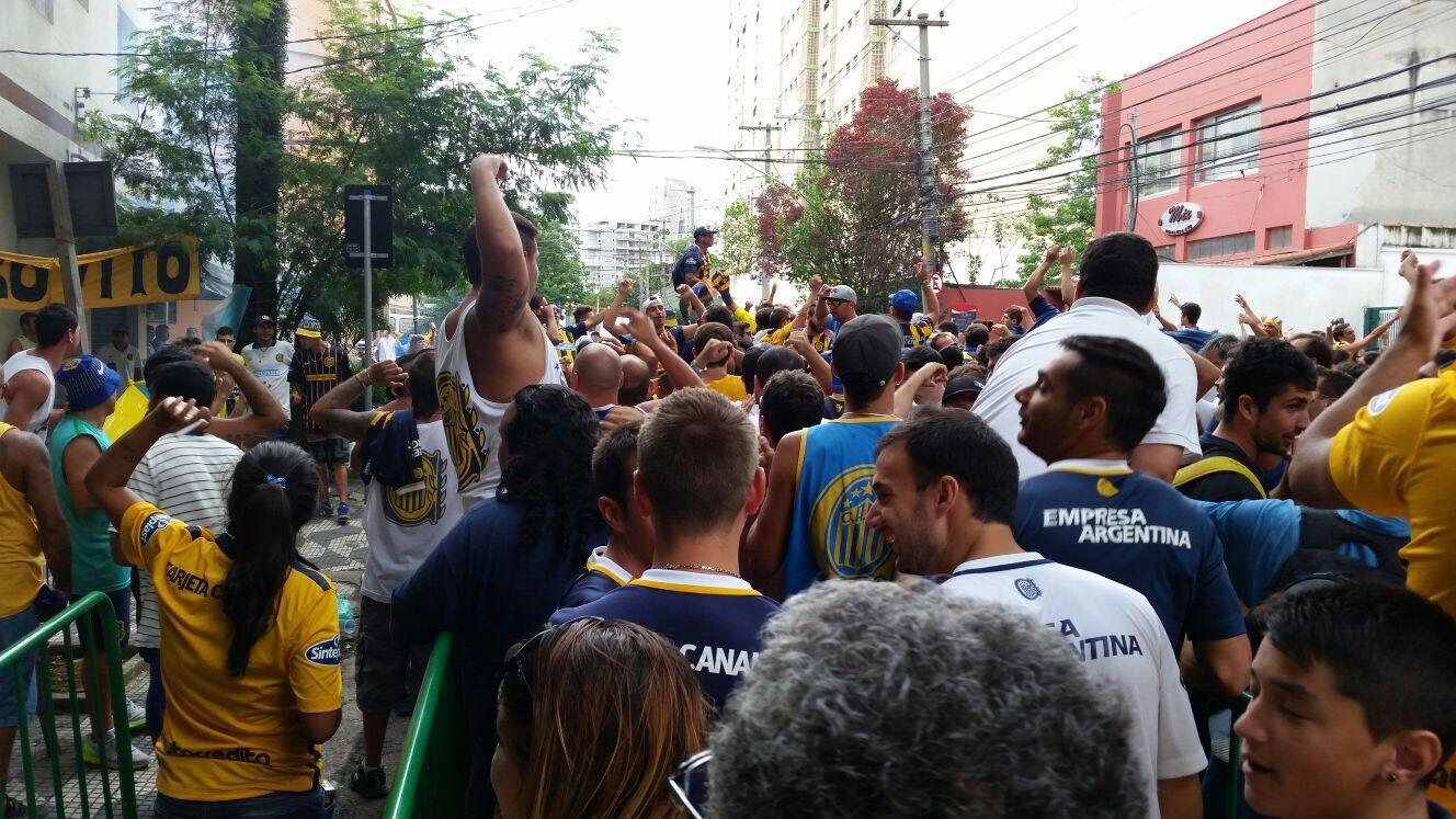 Los hinchas canallas se hicieron sentir en Brasil
