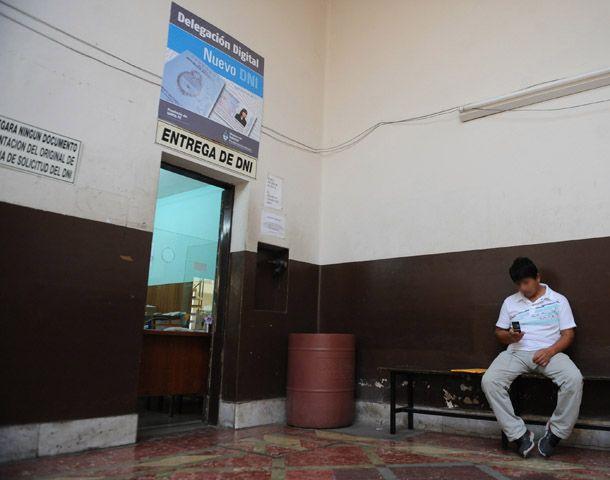 El Registro de calle Salta estará abierto hasta las 16. (Foto: S. Suárez Meccia)