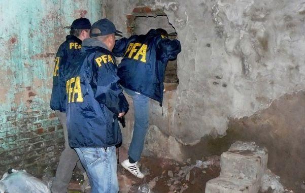 Quioscos. La Policía Federal destruyó el sábado dos búnkers de droga.