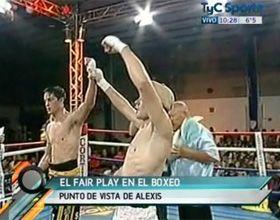 Inédito: un boxeador era el ganador pero se declaró perdedor de la pelea (Video)