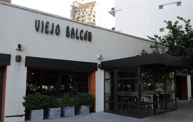 Viejo Balcón. La parrilla de Italia y Wheelwright fue asaltada a la madrugada. (foto: Héctor Rio)