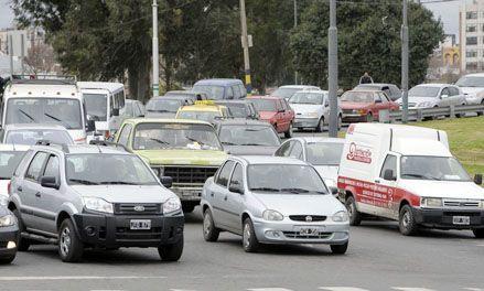 Advierten que el caos vehicular no se solucionará sin obras de infraestructura