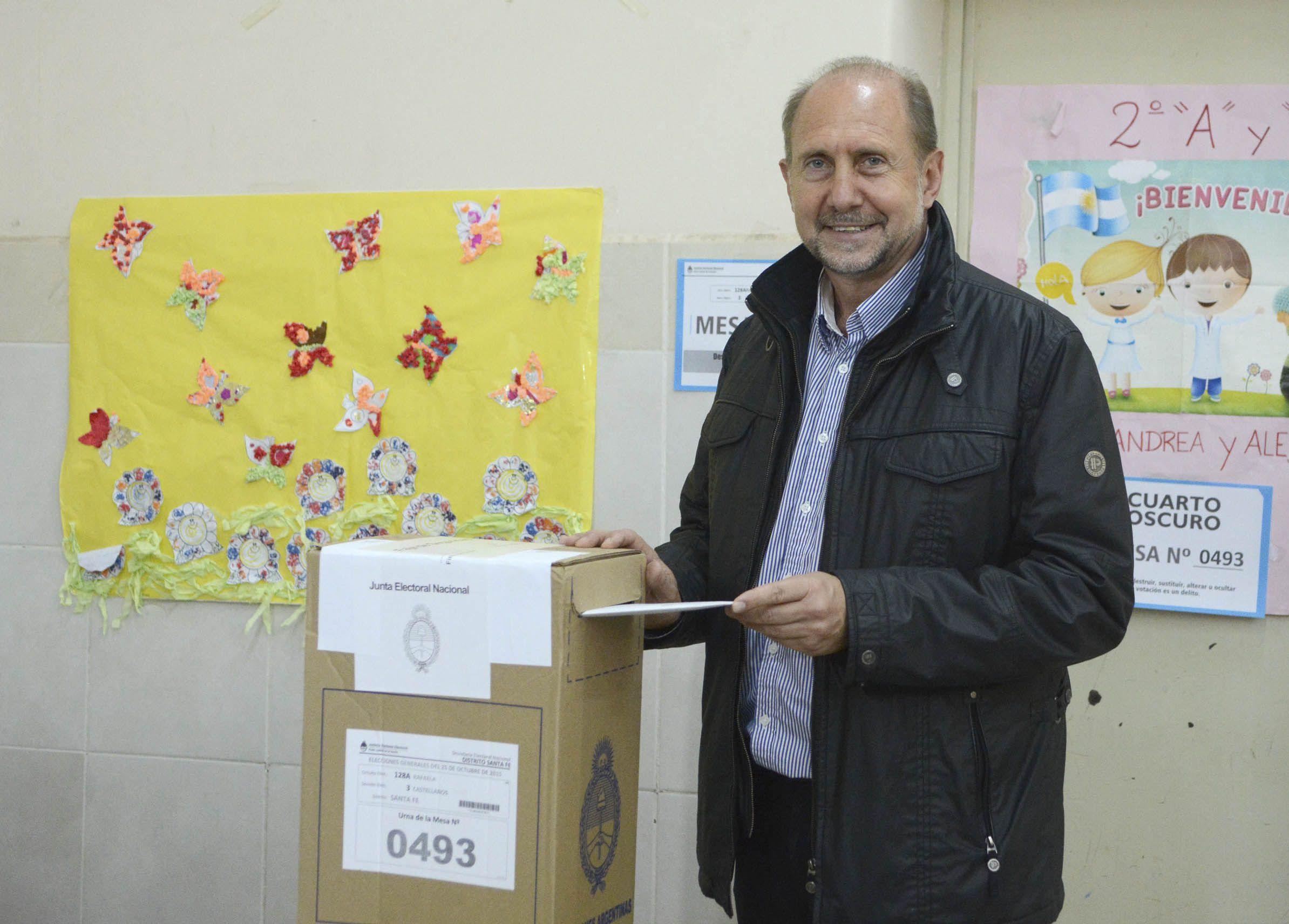 El actual diputado nacional Omar Perotti y la concejala de Firmat María de los Angeles Sacnún se sentarán en dos escaños a partir del 10 de diciembre.