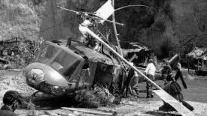 Escena tras desplomarse el helicóptero en En los límites de la realidad.