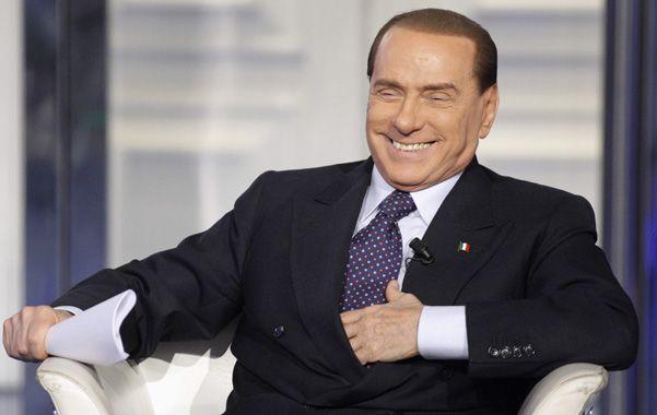 De vuelta. Berlusconi demostró que está lejos de jubilarse.