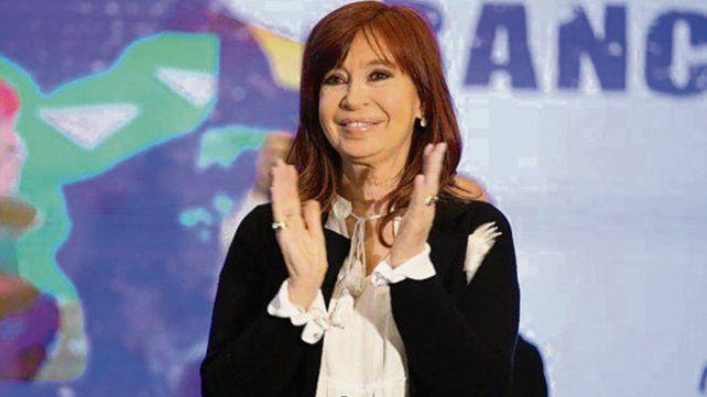 Cristina dijo que quiere ayudar para que Argentina vuelva a tener felicidad.