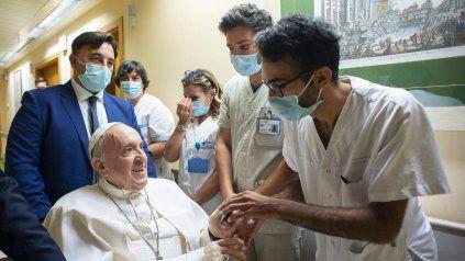 Mientras se recupera de su cirugía, el Papa aprovechó las victorias de Argentina e Italia para reflexionar sobre el deporte.