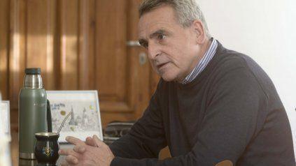 Agustín Rossi alerta que Omar Perotti intenta generar una hegemonía en el peronismo de la provincia de Santa Fe.