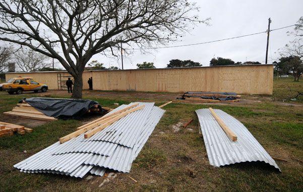 Prefabricadas. Ya están listas las viviendas para alojar a posibles evacuados.