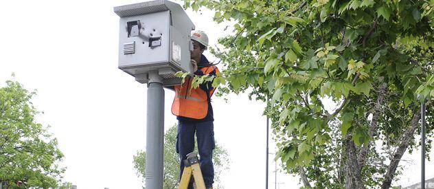 Las cámaras paralelas a los semáforos detectan los excesos de velocidad y los cruces en rojo.