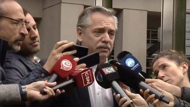 Alberto Fernández denunció que Macri llamó para que liberen el dólar