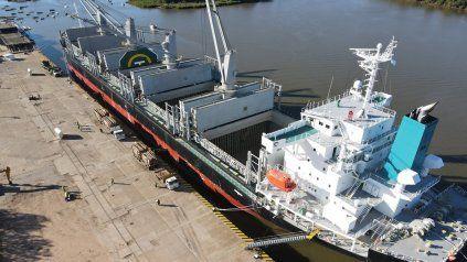 Exportaciones. Dos buques, que tienen como destino final el puerto de Kandla, en la India, cargarán producción forestal entrerriana para exportaciones en Concepción del Uruguay