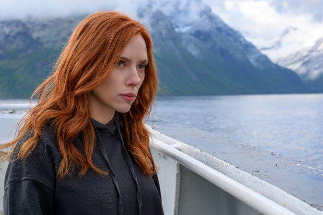 Scarlett Johansson es la protagonista y productora ejecutiva de Black Widow.