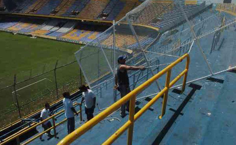 Cambios en el Gigante: comenzaron a instalar 400 plateas en la popular visitante