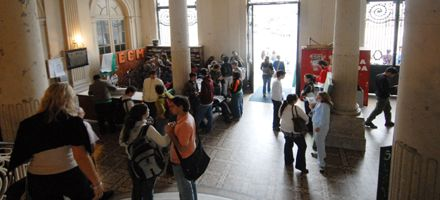 Universidad argentina: muy pocos egresados y baja inversión por alumno