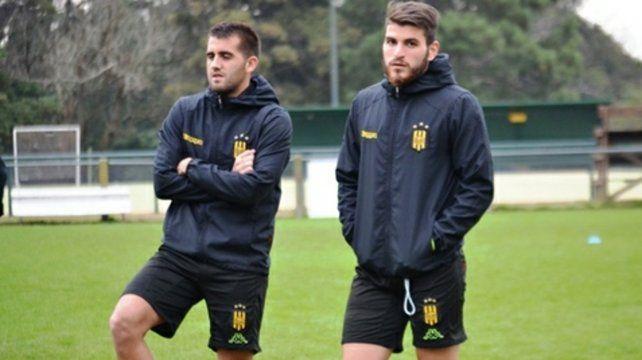 Otro tiempo. Villarruel y Fernández en Olimpo. Juntos jugaron 9 encuentros.