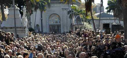 Al paisito se le cae una lágrima, dijo Viglietti al homenajear a Benedetti