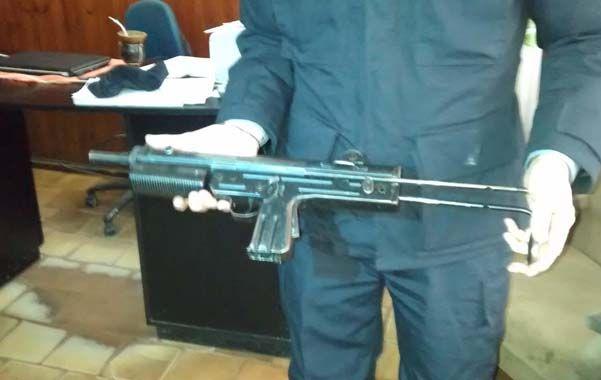 Parecidas. Una de las FMK3 incautadas en estos días por la policía rosarina.