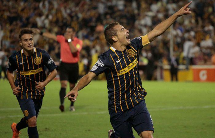Ruben fue uno de los ovacionados de la noche por sus tres goles ante River de Uruguay.