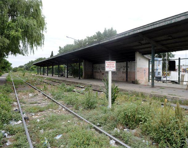 opciones. El Apeadero Sur y la estación Coronel Aguirre fueron propuestos por las instituciones villagalvenses.