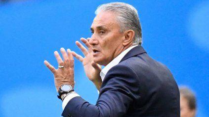 El técnico de Brasil criticó a la Copa América y lo multaron con 5.000 dólares