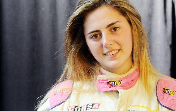Violeta manejó un Fiat 500 a principios de octubre en el mítico circuito de Monza.