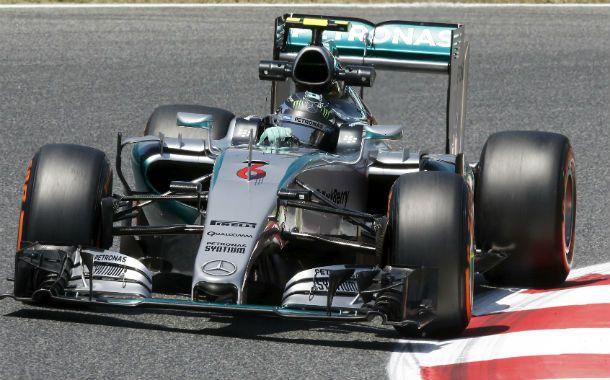 Mercedes. El alemán Nico Rosberg toma una curva durante el ensayo de ayer.