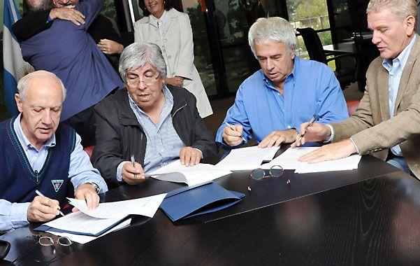 Los popes del peronismo anti-K buscan un acuerdo contrarreloj para las legislativas.