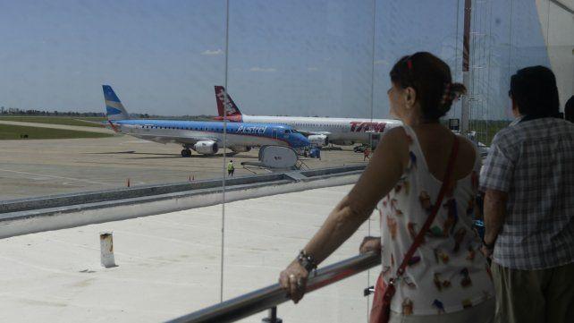 El Aeropuerto de Fisherton sumará nuevos servicios desde julio.