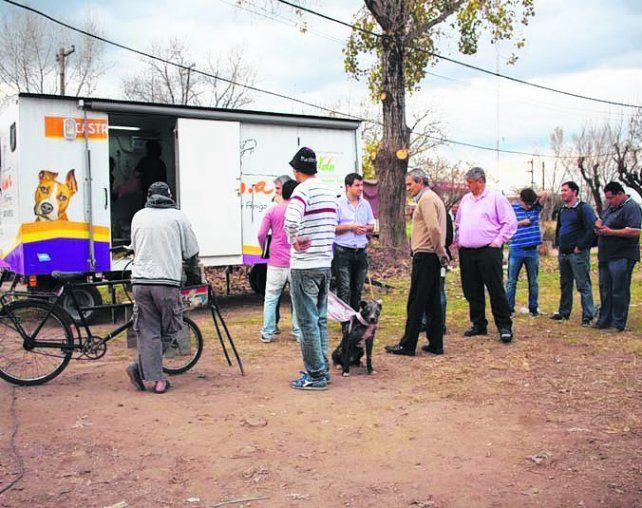 Por los barrios. El Quirófano Móvil Veterinario recorre Villa G. Gálvez.