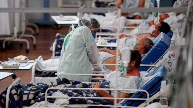 Las muertes de jóvenes por Covid subieron más de 1.000% en dos semanas en Brasil