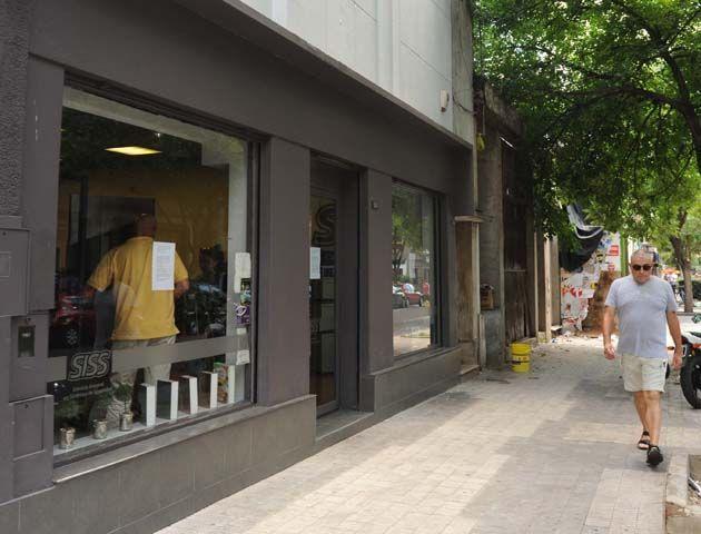 La cerrajería cerró sus puertas por duelo. (Foto: F. Guillén)