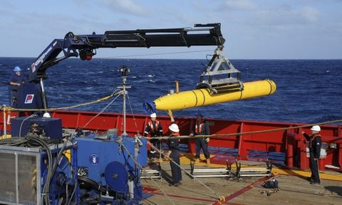 El robot submarino Bluefin 21 seguirá explorando el océano en busca del vuelo MH370.