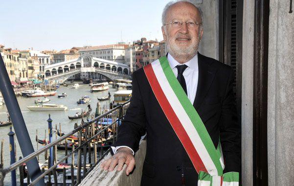 Comprometido. El alcalde veneciano sospechado de un millonario fraude.